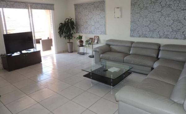 3 BEDROOM APARTMENT IN ACROPOLI